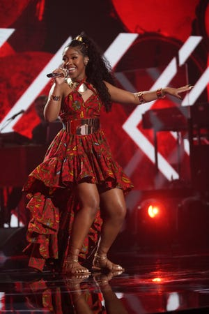 """High school student Olivia Ximines, 17, returned with a performance that seemed to get the whole""""Idol"""" studio moving and grooving."""