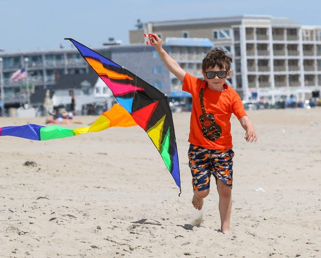The community is invited to honor and remember loved ones affected by cancer by letting their kites fly high at Hampton Beach on May 16.