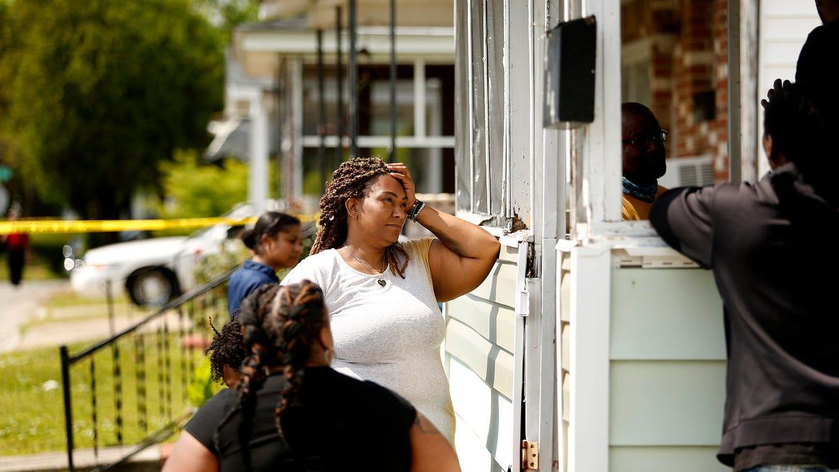 Sheriff: Deputy fatally shot Black man while serving warrant 2