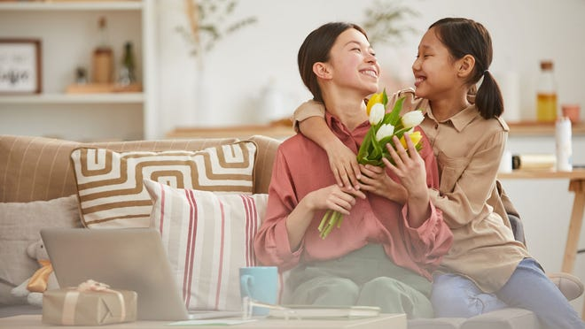 Send flowers to someone special this Mother's Day.