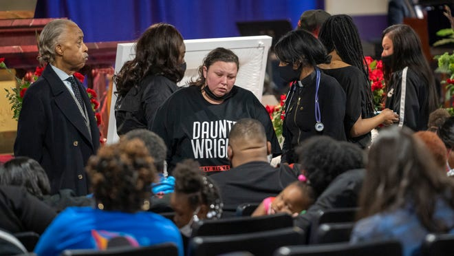 Daunte Wright family holds public screening ahead of Thursday's funeral