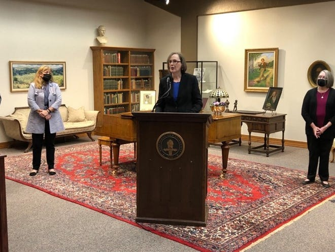 Shawna Kennedy-Witthar, Cornette Library's director of information and library resources, speaks during the news conference announcing the multi-million dollar gift from the estate of Jenny Lind Porter to the Texas Poets' Corner at the library.