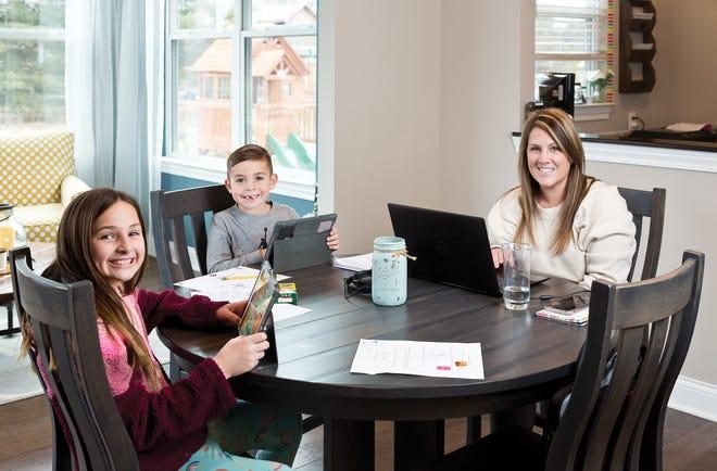 Jill Gershutz and her children, Lauren and Nicholas