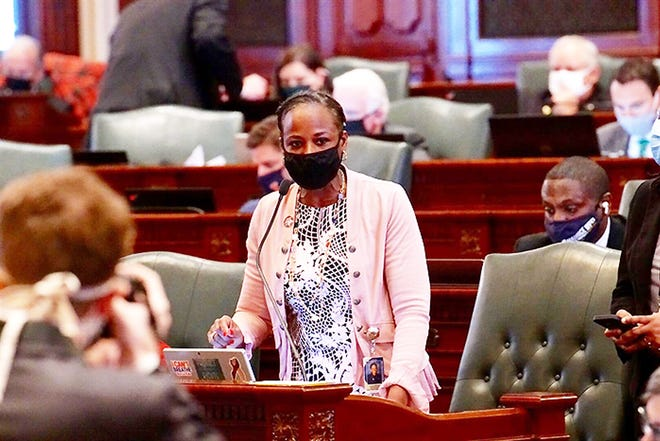 Rep. Carol Ammons, D-Urbana, introduces House Bill 3447 Wednesday on the floor of the Illinois House of Representatives. The bill would reclassify possession of small amounts of drugs to a misdemeanor from a felony.