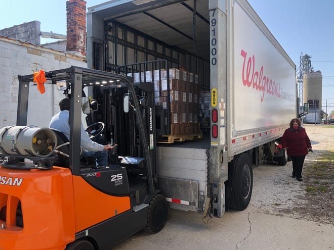 A semi-truck loaded with more than 14,000, 8-ounce bottles of hand sanitizer recently was donated by Walgreen's to the Kewanee Area United Way. The supply will be given to Stark County, Galva, Cambridge, Kewanee and Wethersfield schools, who will be pick up the pallets and boxes on Tuesday and Wednesday, April 27 and 28. Some of the supply will also be donated to the city of Kewanee.