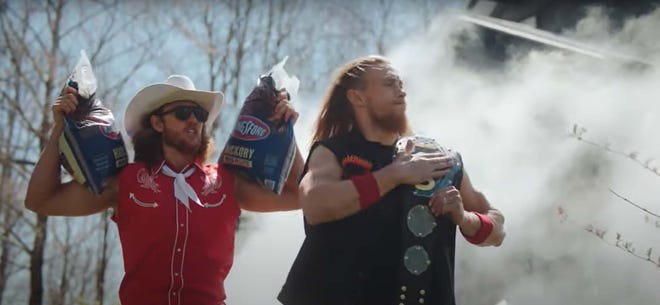 Lions tight end T.J. Hockenson (left) and 49ers tight end George Kittle star in a commercial for Kingsford.