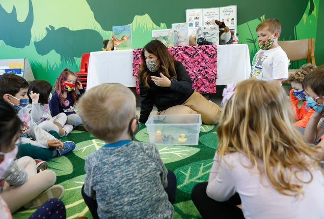 Senior educator Carrie Hauck leads the Little Explorers Club for preschoolers in the Suzie Edwards Conservation Education Classrooms on Thursday. The new facility, at the Columbus Zoo and Aquarium is named after an 83-year-old Upper Arlington resident whose family has been long time supporters of the zoo.