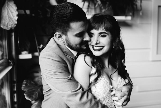 Black and white is excellent for showcasing serious emotion, but it works wonderfully to depict joy, too! (Hannah and Eric Young, July 25, 2020)