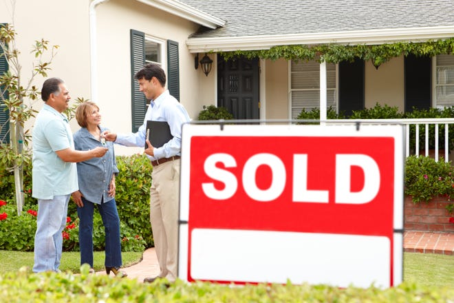 Most sellers who choose to sell their own home are married couples with a median age of 57 years and a median income of $96,700. Enlisting the services of an experiencedRealtor can save a homeowner thousands of dollars.