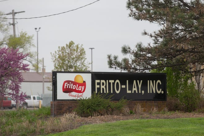 Frito-Lay representatives met with union representatives this week to negotiate the union's contract, but there doesn't appear to have been much progress.