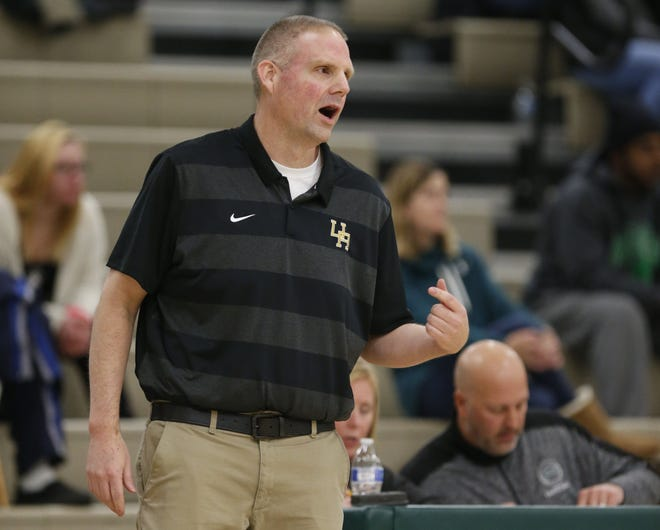 Former Upper Arlington girls basketball coach Chris Savage will take on the same role at Hilliard Darby, pending school board approval.