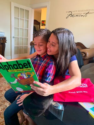 Massachusetts Center for the Book announced that Raising A Reader Massachusetts is the recipient of the 2021 Library of Congress/Massachusetts State Literacy Award.