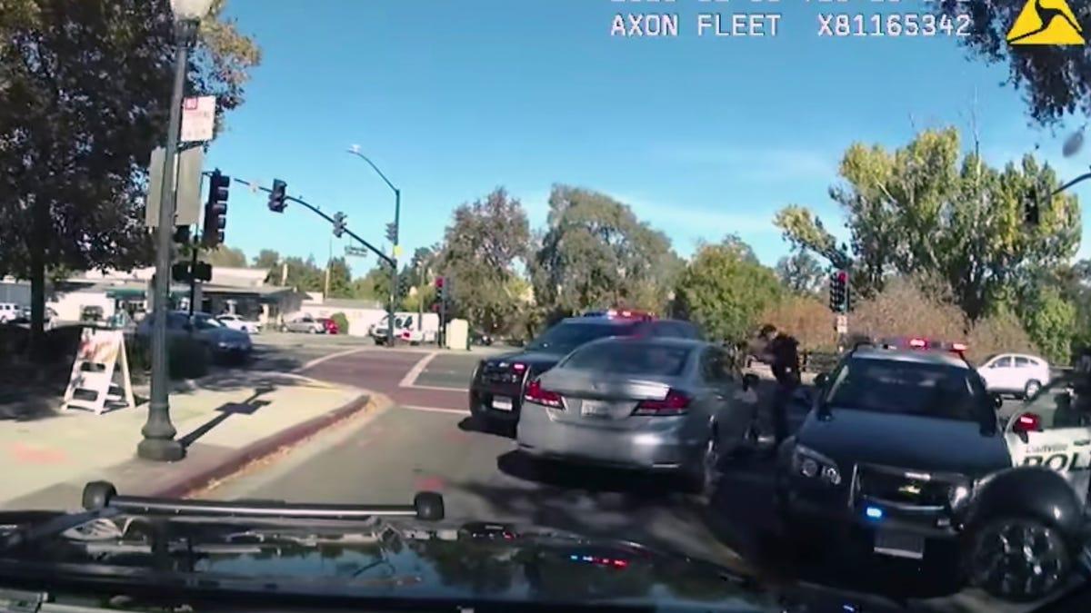 Video: California deputy shoots Black man within a minute 2