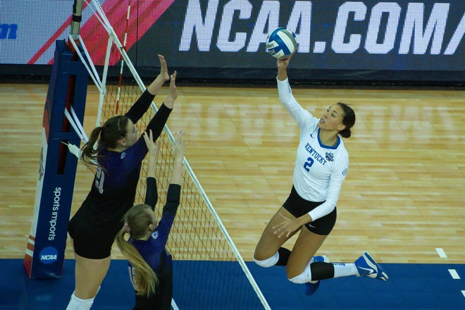 Kentucky Wildcats outside hitter Madi Skinner (2) attacks against the Washington Huskies at CHI Health Center Arena and Convention Center.