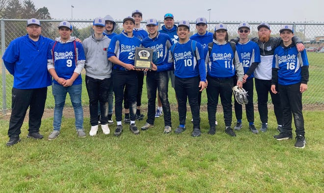 The Burr Oak baseball team won both of its games on Saturday at the Tekonsha Tournament to take first place.