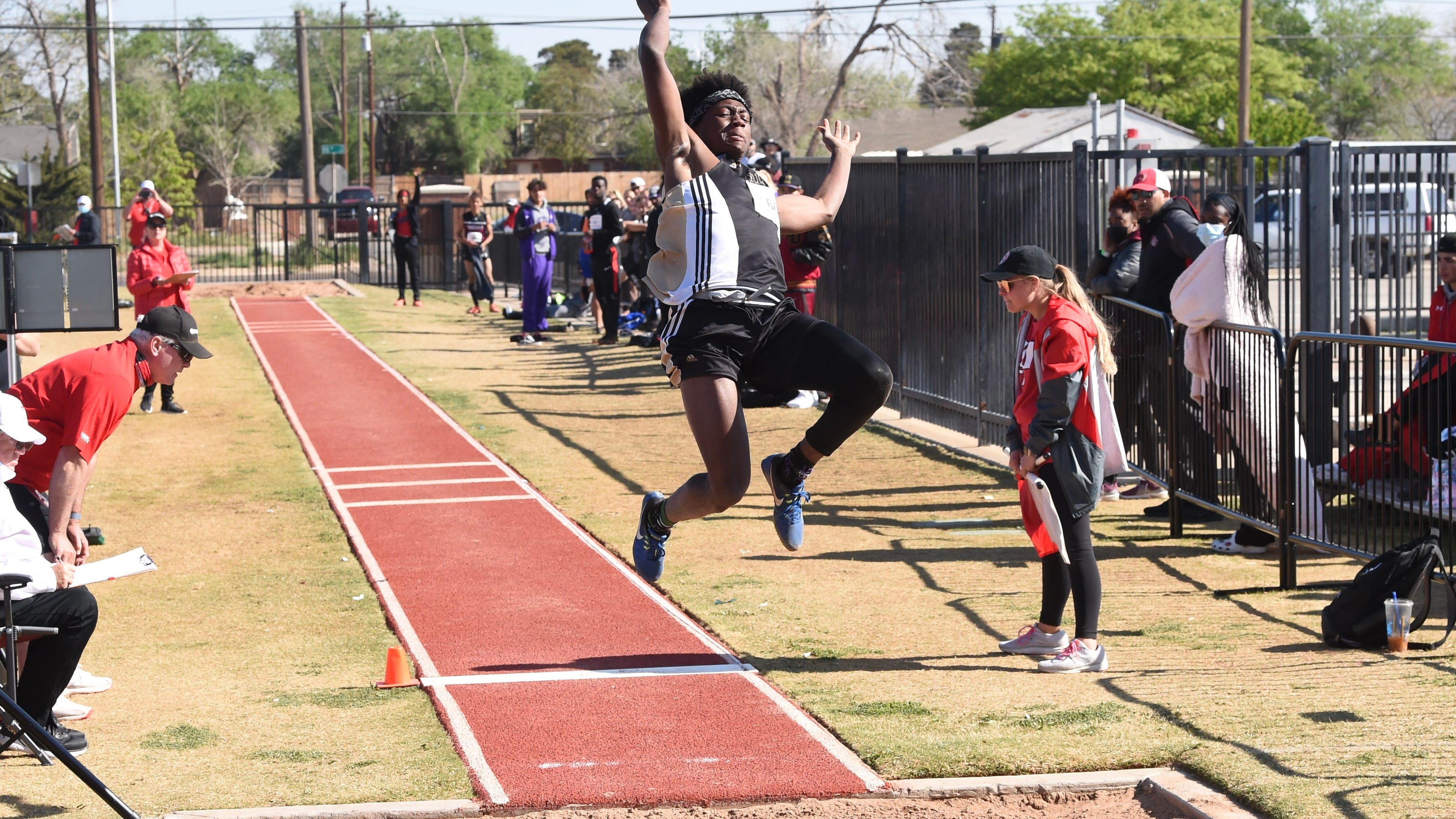 REGIONAL TRACK ROUNDUP: Who is advancing to the state meet?