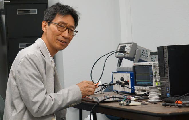 Led by Young Ho Park, professor of mechanical and aerospace engineering, Training of Next Generation Workforce for Smart Food Science and Agricultural Technology in the Digital Era (WorkFoS-Ag) has been funded by the U.S. Department of Agriculture's National Institute of Food and Agriculture for $500,000.