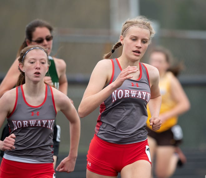 Norwayne Bobcats Jaylee Wingate (right) and Annabel Stanley placed first and second in the girls 1600.