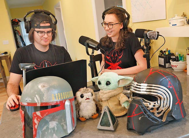 """AJ Spirito and Jamie Casagrande host a podcast for """"Star Wars"""" fans called """"The Holonet Marauders."""""""