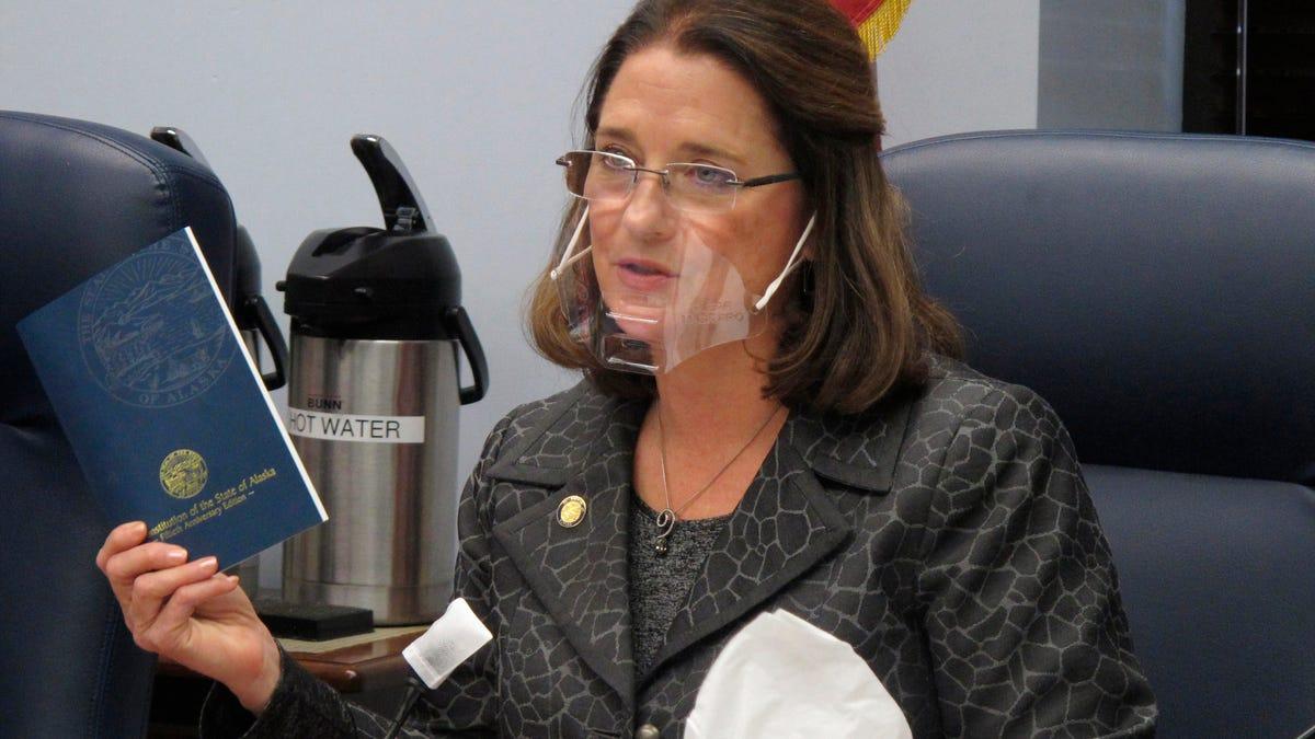 Airline bans Alaska state senator for violating mask rules 2