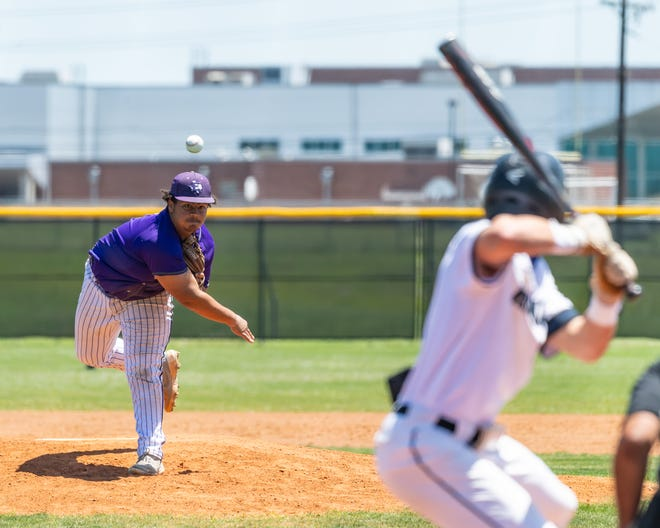 Elgin pitcher Braylon Owen delivers the ball against Hendrickson Saturday at Hendrickson High School. Elgin won 9-6 to seize sole possession of first place in District 18-5A.
