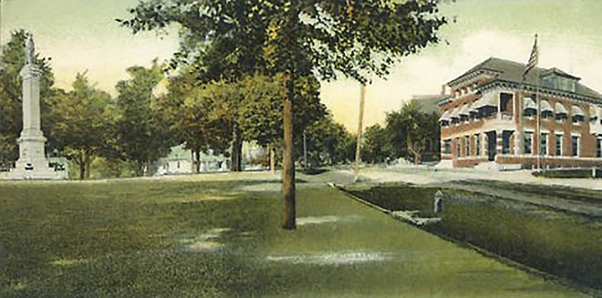 Monument Park and the corner of Central and Maple streets in Gardner as seen in the 1930s.