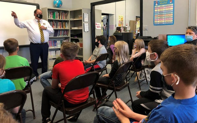 Missouri 6th District State Representative Ed Lewis of Moberly visited with 3rd and 4th grade students at Callao Elmentary School on Friday, April 23.