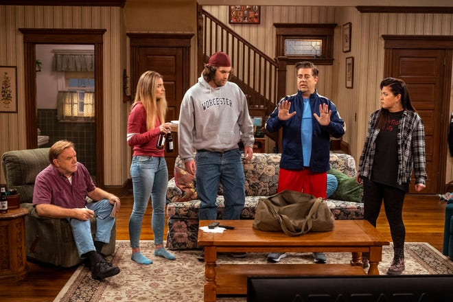 """From left, Brian Howe, Annie Murphy, Alex Bonifer, Eric Petersen, and Mary Hollis Inboden in """"Kevin Can F*** Himself."""""""