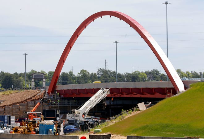 With the bridge arches installed and painted, work was nearing an end on Interstate 20/59 in Tuscaloosa. Now, ALDOT has announced a new project that will extend construction in this area through fall 2022. [Staff file photo/Gary Cosby Jr.]