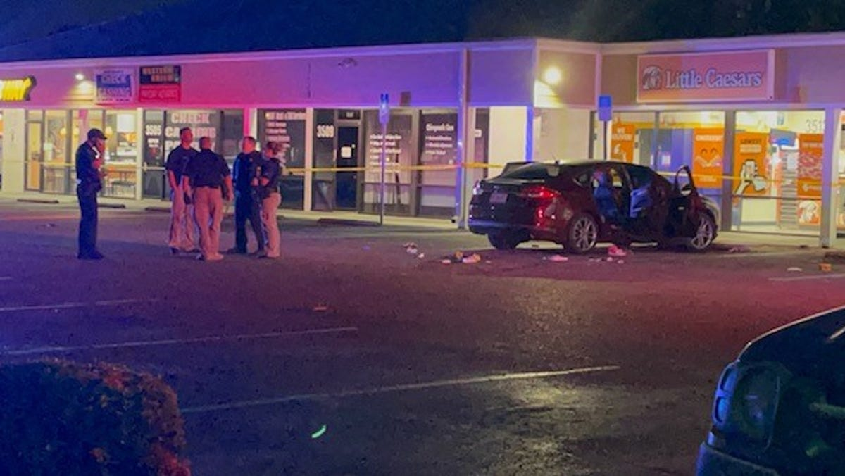 Two people taken to Lee Memorial Hospital after wounded in shooting at Fowler Street plaza 1