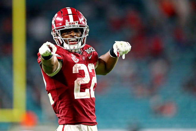 Most analysts project Alabama's Najee Harris (22) to be the first running back selected in the NFL draft this week.