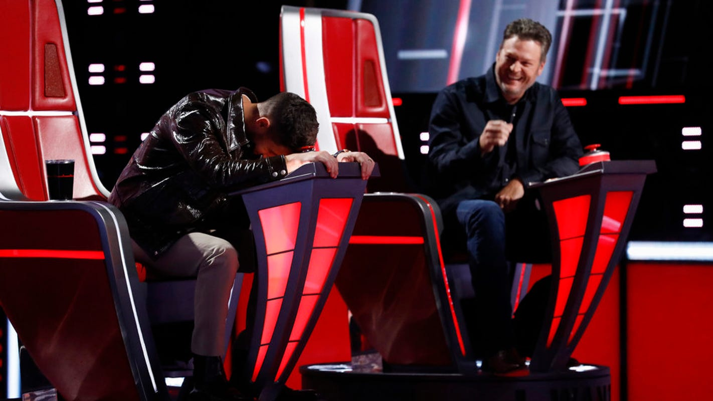 'The Voice': Kelly Clarkson pounces after Nick Jonas 'really messed up' his pairings again – Yahoo Entertainment