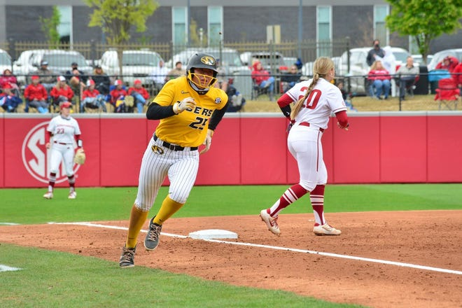 Missouri's Alex Honnold rounds third base during a game against Arkansas on Saturday in Fayetteville, Ark.