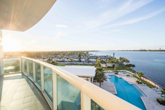 The balcony of this seventh-floor Marina Grande unit offers the perfect vantage point that's not too high and not too low. This special residence overlooks the waterfront and comes with a load of upgrades.