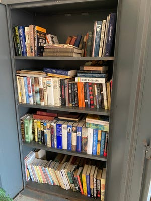 Doing some spring cleaning of your book collection? The Friends of the Hudson Library will hold another collection on Saturday, May 8 ,to gather books and materials of all types to stock the Friends Bookstore for upcoming sales and to provide items for on-line sales.