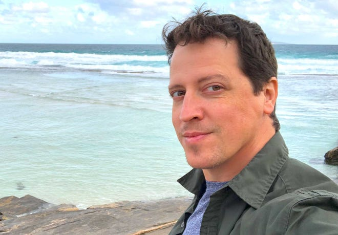 """Andrew Mayne's new thriller """"Black Coral"""" sets an often-underwater hunt for a serial killer in the murky wilds of South Florida."""