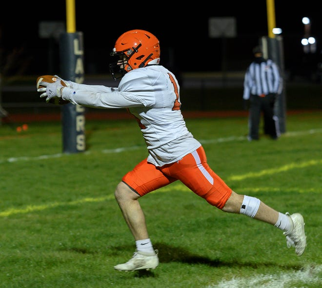 Liam Small is successful on the two-point conversion.