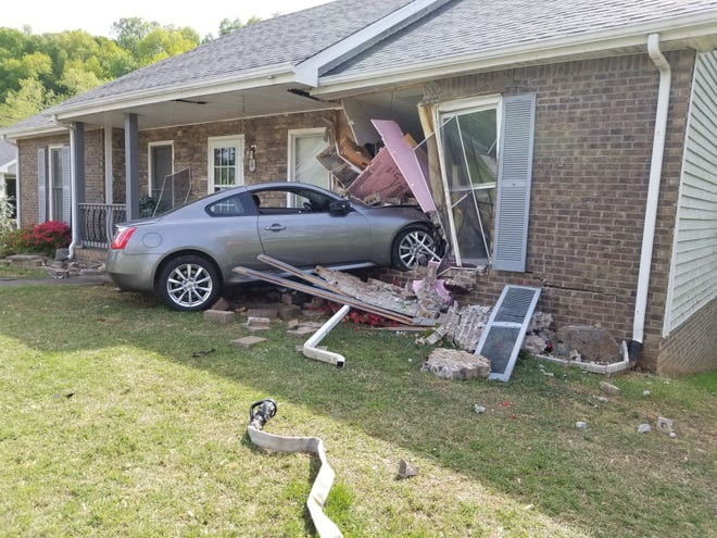 Car crashes into house on Clearwater Drive in Clarksville April 26, 2021