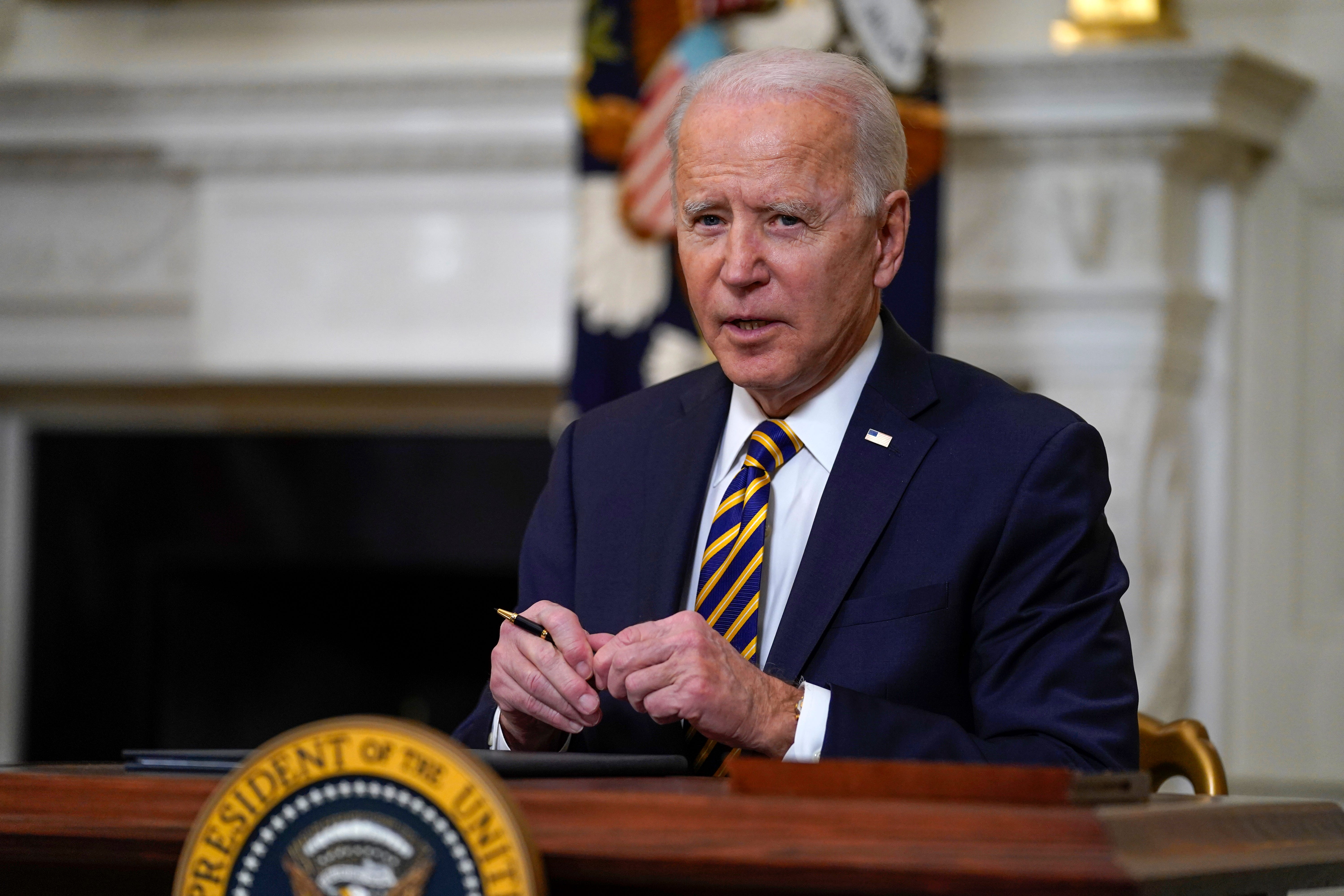 Biden to sign $15 minimum wage for federal contract workers 1