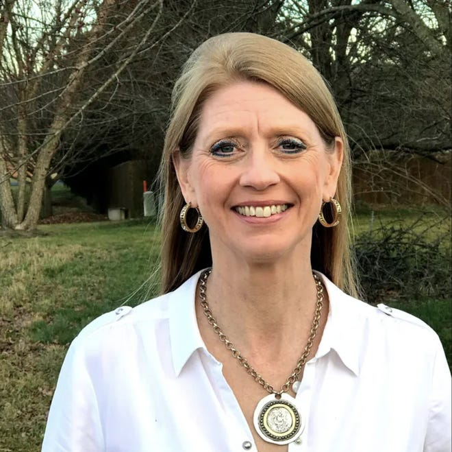 """""""Seaton was a very community oriented individual that is going to be missed by thousands of people. We're going to have to pull it together and carry on the work that she started,"""" Linda Layser said about Anne Seaton, who died in a car crash last Friday."""