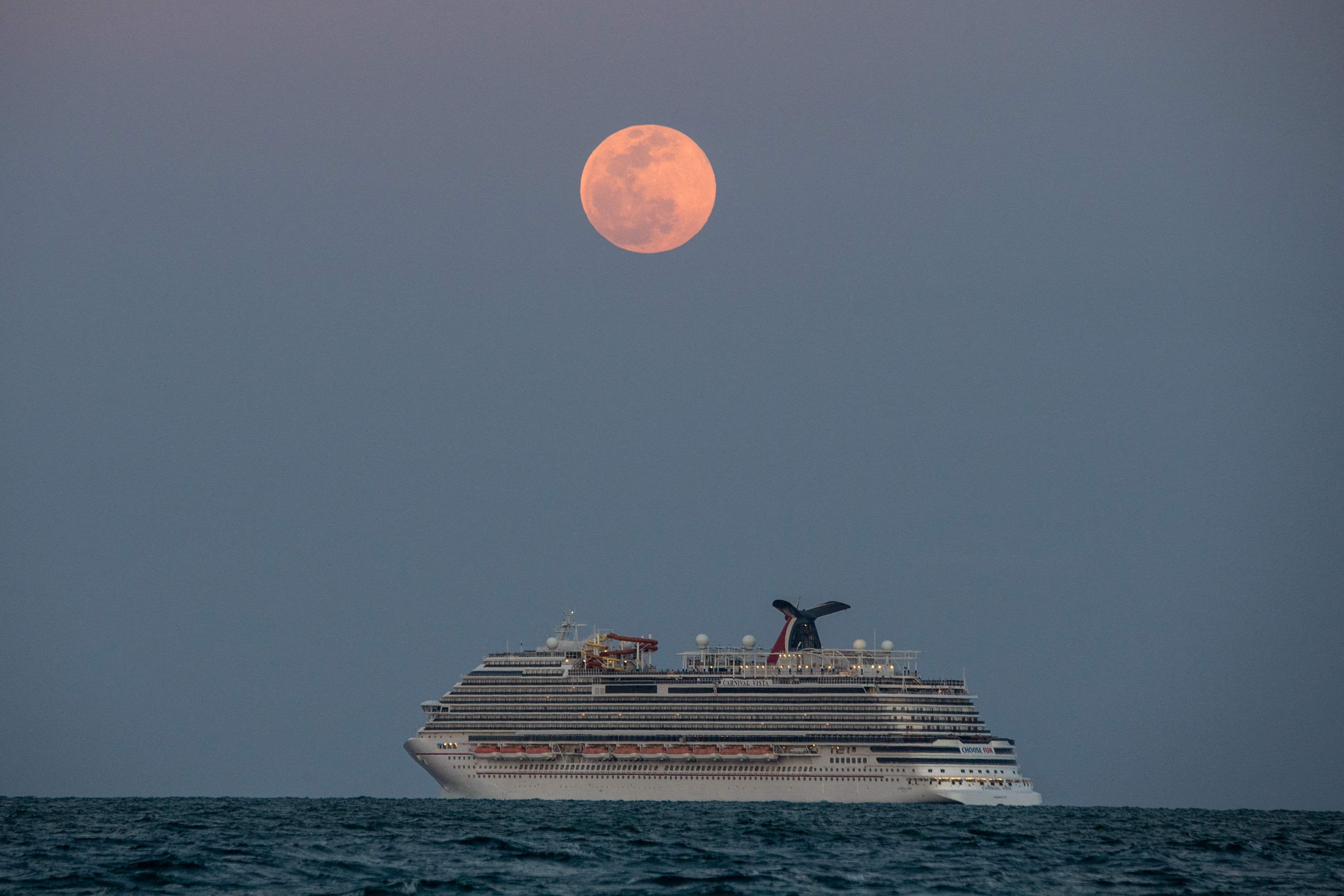 U.S. cruises could restart in mid-July with 95% of passengers fully vaccinated, CDC says