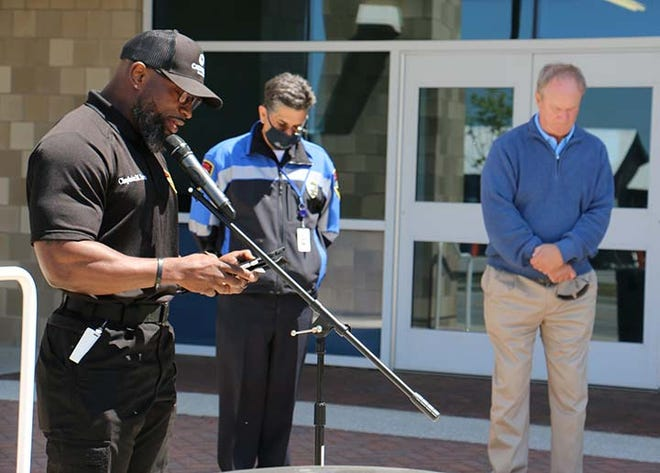 Prayer for Unity was recently held at the Jacksonville Public Safety building with Public Safety Chaplain, Maurice Irvin; Public Safety Director, Chief Yaniero; Mayor Sammy Phillips; City Manager, Dr Richard Woodruff; public safety officials; Onslow County Sheriff's office and the community.