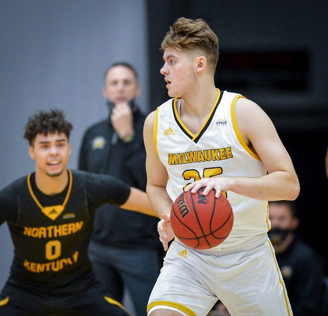 Grant Coleman, shown playing for the Milwaukee Panthers in February, has committed to Bryant.
