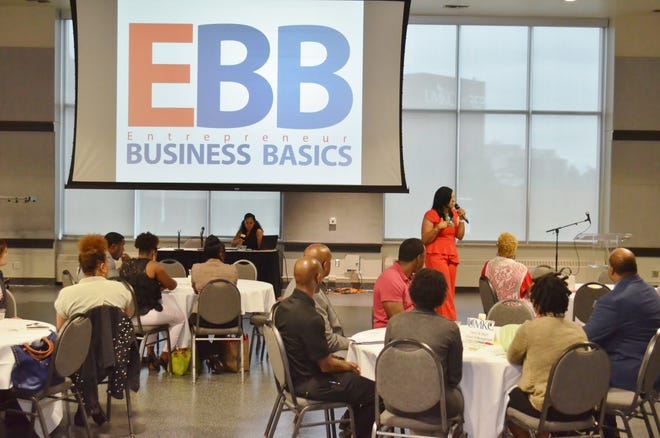 Kira Cheree, owner of Entrepreneur Business Basics, talks to cohort participants during a past session of her organization's 12-week entrepreneurship course.