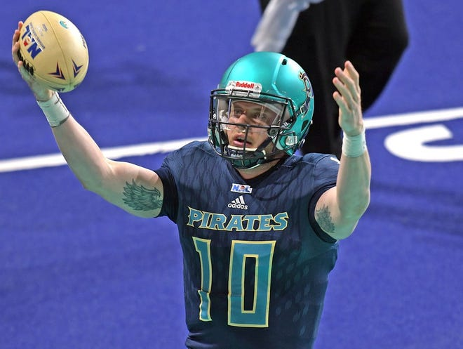 Sean Brackett's four TD passes and an opportunistic defense helped the Massachusetts Pirates roll at Northern Arizona Sunday night.