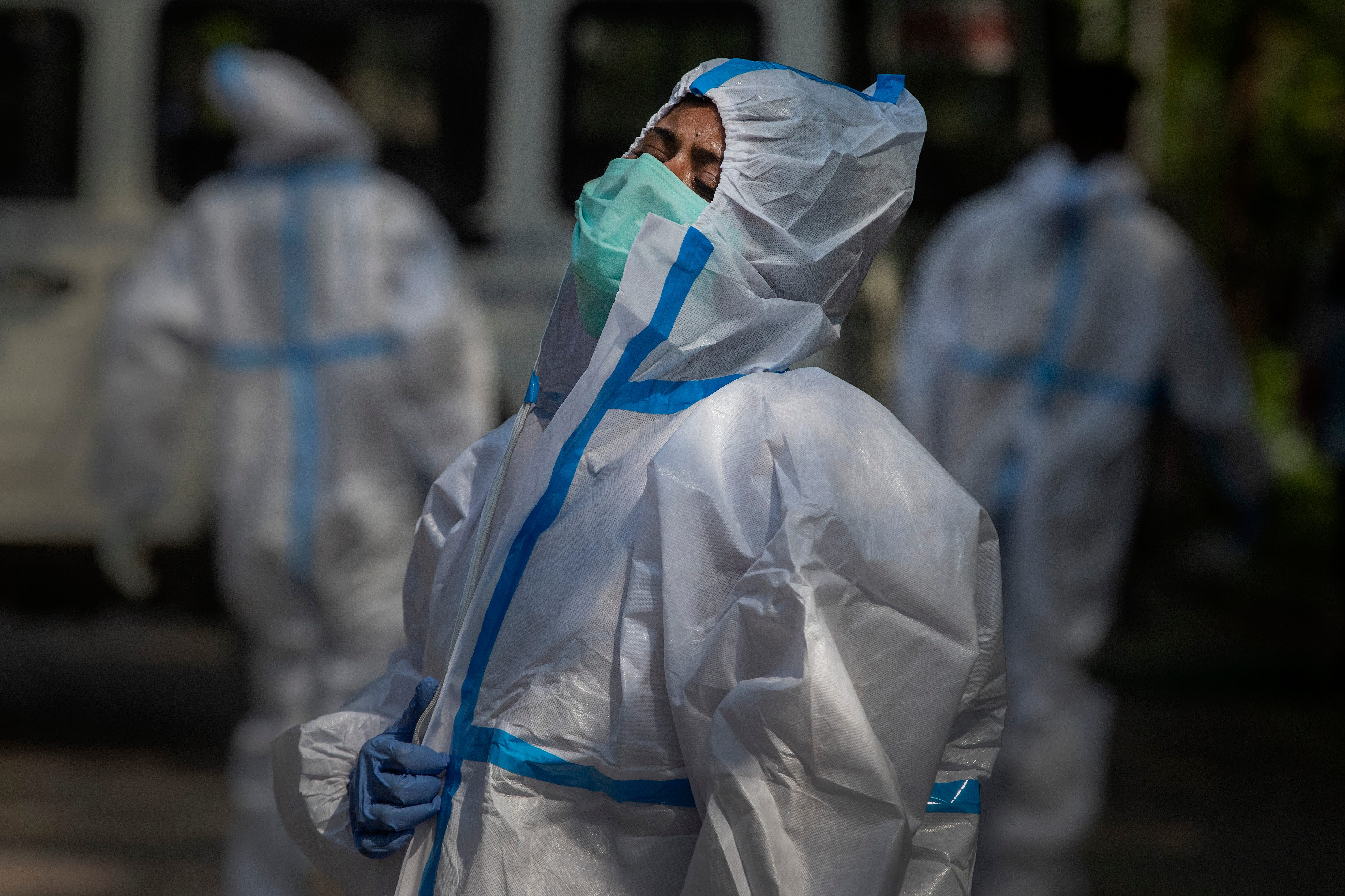 India tops 200,000 dead as virus surge breaks health system 1