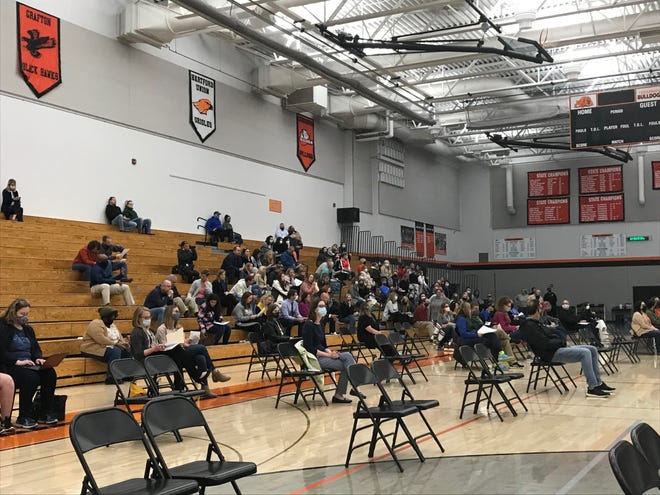 A mix of people with and without masks attended the Cedarburg School Board meeting April 27.