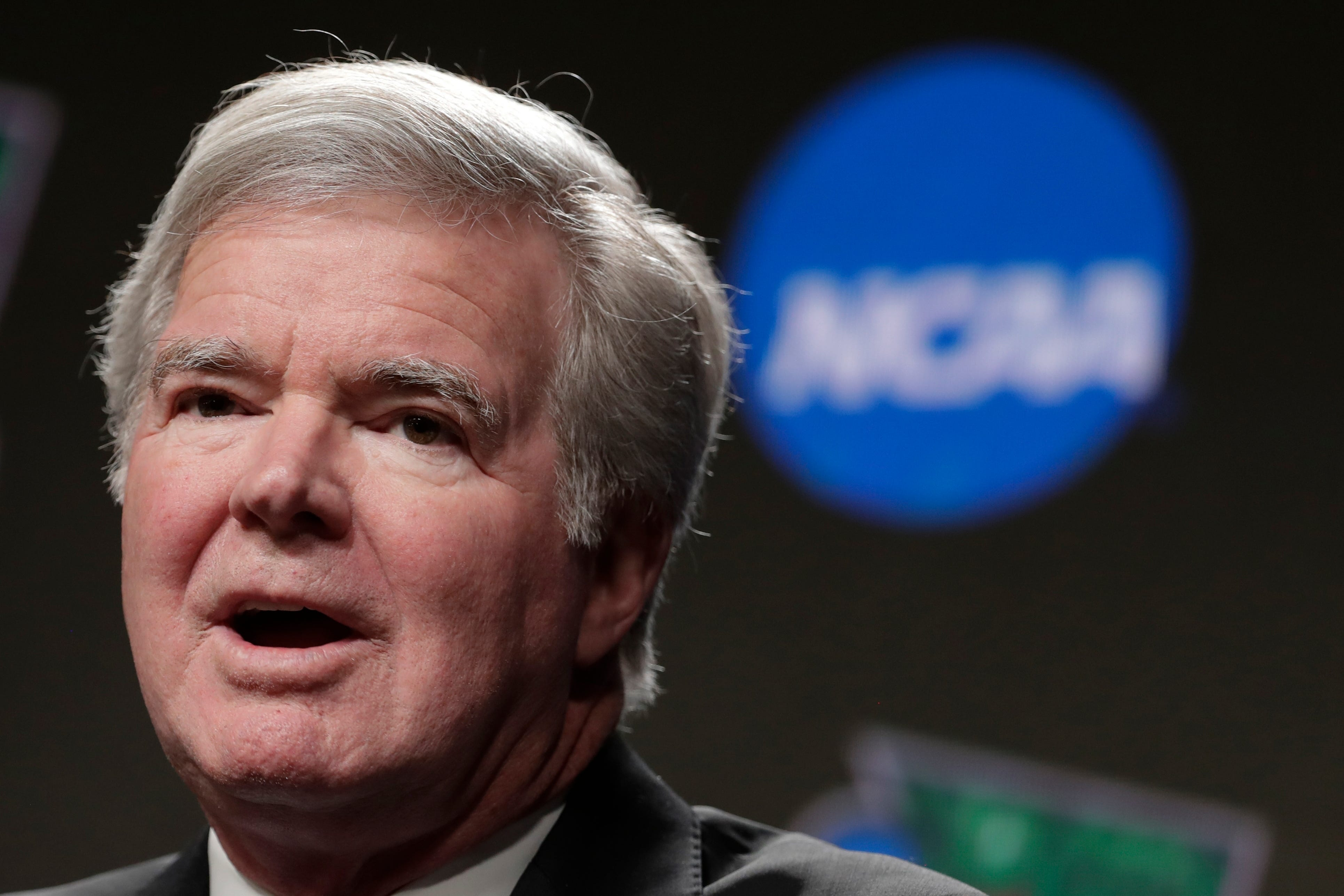 Opinion: NCAA has essentially made Mark Emmert king for life, and he hasn t earned it