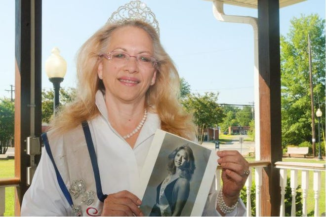 Suzi Wallace Fire has held the title of Ms. Senior Davidson County for two years because the COVID-19 pandemic prevented  Davidson County Senior Services from holding the pageant in 2020. The county agency will hold a pageant this year, but virtually, to crown a new senior queen.