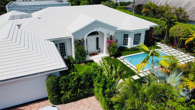 A renovated five-bedroom house at 255 Ridgeview Drive recently sold for $5.35 million, after changing hands about a year earlier for $2.8 million, courthouse records show.